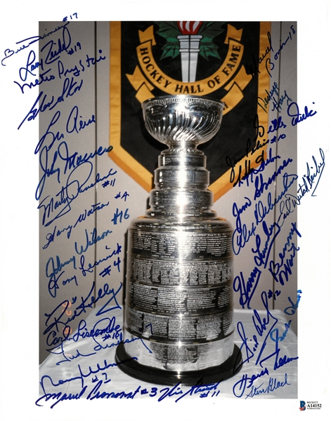 Stanley Cup 11x14 Signed by 30 Red Wings