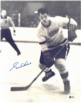 Gordie Howe Autographed 11x14 Photo - Shooting