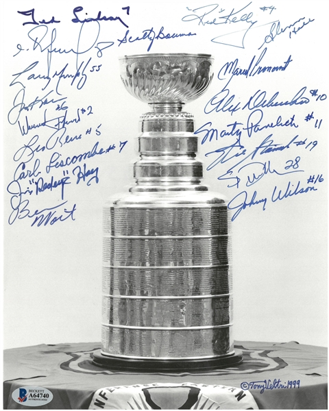 Stanley Cup 8x10 Photo Signed by 18