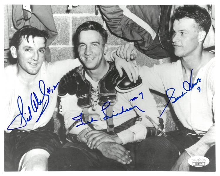 Production Line Autographed 8x10 Locker Room Photo Howe/Lindsay/Abel